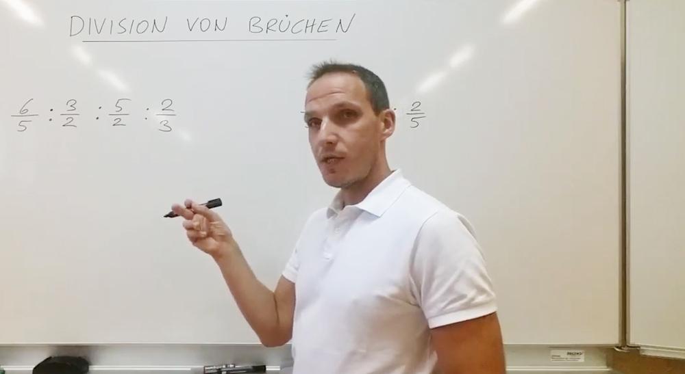 Division von Brüchen | thewhiteclassroom.at